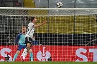 Kopfballchance Thomas Mueller (Deutschland Germany) gegen Torwart Kasper Schmeichel (Dänemark, Denmark) - Innsbruck 02.06.2021: Deutschland vs. Daenemark, Tivoli Stadion Innsbruck