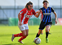 Standard's Davinia Vanmechelen pictured in a fight for the ball with Debbie Decoene (21 Brugge) during a female soccer game between Standard Femina de Liege and Club Brugge YLA on the seventh matchday of the 2020 - 2021 season of Belgian Scooore Womens Super League , saturday 14 th of November 2020  in Angleur , Belgium . PHOTO SPORTPIX.BE | SPP | DAVID CATRY