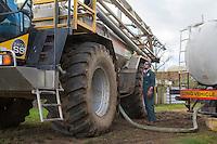 Loading Lite Trac with suspension fertilser - Norflk, February