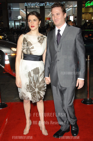 """RACHEL WEISZ & boyfriend DARREN ARONOFSKY  at the US premiere of their new movie """"The Fountain"""" at Grauman's Chinese Theatre, Hollywood..November 11, 2006  Los Angeles, CA.Picture: Paul Smith / Featureflash"""