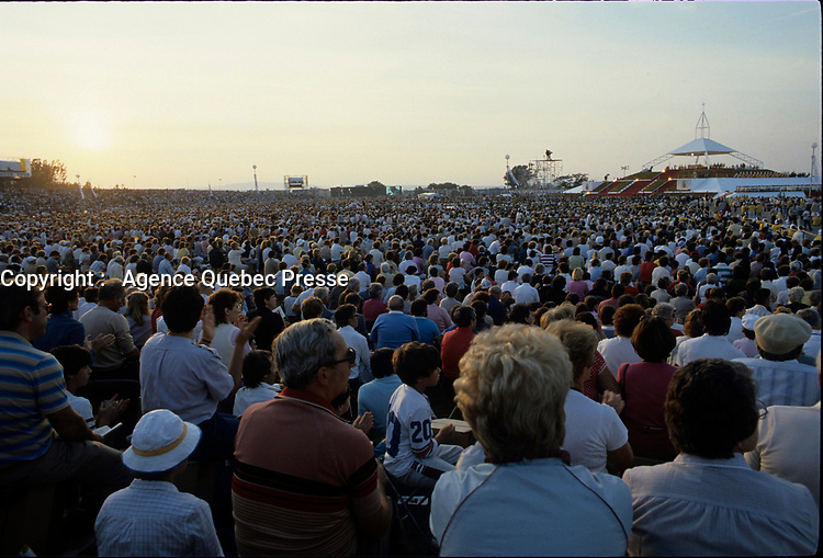 September , 1984 File Photo - Pope John-Paul II outdoor  mass l during his 12 days tour of Canada.