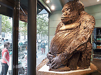 France. Department Ile-de-France. Paris. A giant gorilla, made in chocolate, stands in the shop window of a chocolate-maker and seller. 08.07.2011 © 2011 Didier Ruef