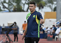 PALMIRA - COLOMBIA, 17-10-2020: Dayron Perez técnico del Huila gesticula durante el partido entre Orsomarso y Atlético Huila como parte de la Liga Águila II 2019 jugado en el estadio Francisco Rivera Escobar de la ciudad de Palmira. / Dayron Perez coach of Huila gestures during match between Orsomarso and Atletico Huila for the date 13 as part of BetPlay DIMAYOR Tournament 2020 played at Francisco Rivera Escobar stadium in Palmira city. Photo: VizzorImage / Gabriel Aponte / Staff