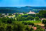 Deutschland, Bayern, Niederbayern, Naturpark Bayerischer Wald, Lallinger Winkel, Hochtal im Bayerischen Wald: Blick auf Lalling | Germany, Bavaria, Lower-Bavaria, Nature Park Bavarian Forest, Lallinger Winkel, High Valley at Bavarian Forest: view at Lalling