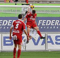KV Kortrijk - AA Gent.kopduel tussen Leon Benko en Bojan Jorgavcevic.foto VDB / BART VANDENBROUCKE