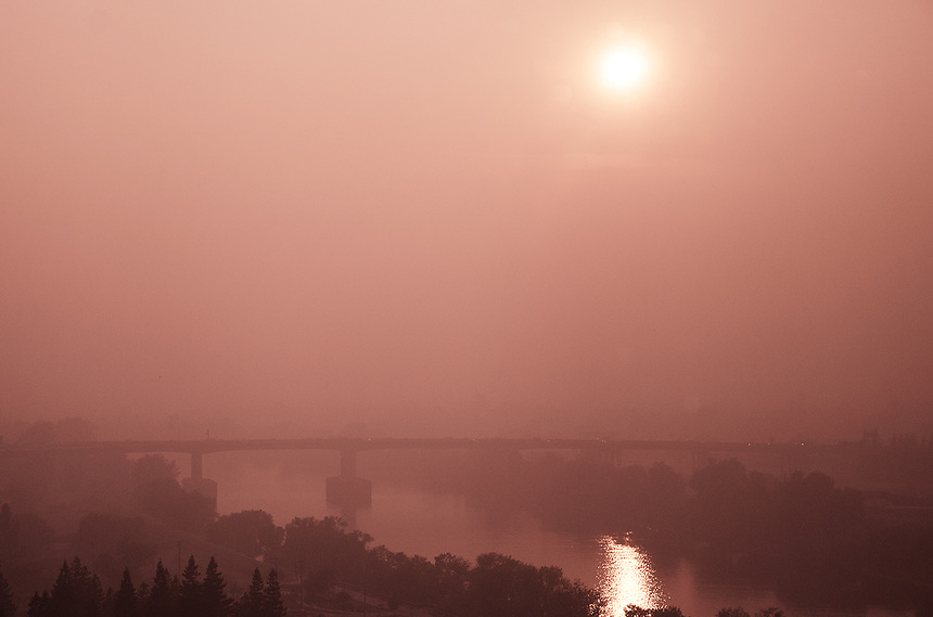 """Is it fog or smoke? It's hard to distinguish anymore. Well, according to the Air Quality Index, Sacramento's air quality right now is """"very unhealthy,"""" which is 283 out of 300. It's one index below from """"hazardous"""" level. Stay safe out there, and wearing N95 rated mask is highly recommended."""