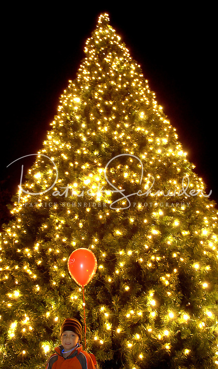 Photography of the annual Christmas tree lighting event at Birkdale Village in Huntersville, NC. Birkdale Village combines the best of shopping, dining, apartments and entertainment venues within a 52-acre mixed-use development.