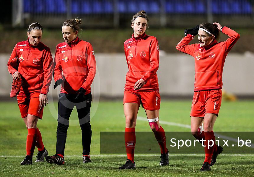 Woluwe players pictured after the warm up before  a female soccer game between FC Femina White Star Woluwe and Club Brugge YLA on the eleventh matchday of the 2020 - 2021 season of Belgian Scooore Womens Super League , Friday 22 January 2021  in Woluwe , Belgium . PHOTO SPORTPIX.BE | SPP | SEVIL OKTEM