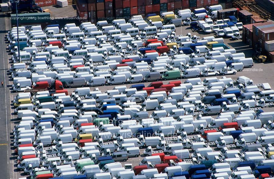 ITALY Campania Salerno, harbour, Fiat car RoRo Terminal of Salerno at mediterranean sea / ITALIEN Kampanien, Hafen Salerno im Mittelmeer, RoRo Terminal fuer export von Autos wie Fiat