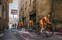 Jesus Herrada (ESP/Cofidis) leading Alejandro Valverde (ESP/Movistar) at the base of the Höll Climb<br /> <br /> MEN ELITE ROAD RACE<br /> Kufstein to Innsbruck: 258.5 km<br /> <br /> UCI 2018 Road World Championships<br /> Innsbruck - Tirol / Austria