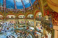 Lojas da Galerias Lafayette em Paris. França. 2016. Foto de Juca Martins.