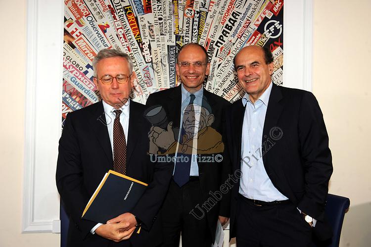 GIULIO TREMONTI, ENRICO LETTA E PIERLUIGI BERSANI<br /> ALLA STAMPA ESTERA ROMA 2009