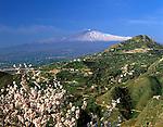 Italy, Sicily, view from Taormina at volcano Etna