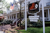 country inn, hotel, Stockbridge, Massachusetts, The Berkshires, Red Lion Inn in Stockbridge in the spring.