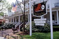 country inn, hotel, Stockbridge, Massachusetts, The Berkshires, Red Lion Inn in Stockbridge in the spring.