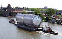 Nederland - Zaandam - 2020 . De Zaan.  Vervoer over het water.  Rodie Transport.  Foto Berlinda van Dam / Hollandse Hoogte