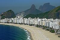 Praia de Copacabana, Morro Dois Irmãos e Pedra da Gávea. Rio de Janeiro. 2007. Foto de Renata Mello.