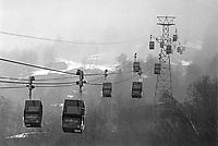 - Svizzera, stazione sciistica di Klosters, cabinovia Klosters Dorf - Madrisa (Gennaio 1986)<br /> <br /> - Switzerland, Klosters ski resort, cableway Kloster Dorf - Madrisa (January 1986)