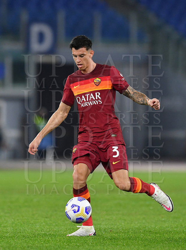 Football, Serie A: AS Roma - Fiorentina, Olympic stadium, Rome, November 1, 2020. <br /> Roma's Roger Ibanez in action during the Italian Serie A football match between Roma and Fiorentina at Olympic stadium in Rome, on November 1, 2020. <br /> UPDATE IMAGES PRESS/Isabella Bonotto