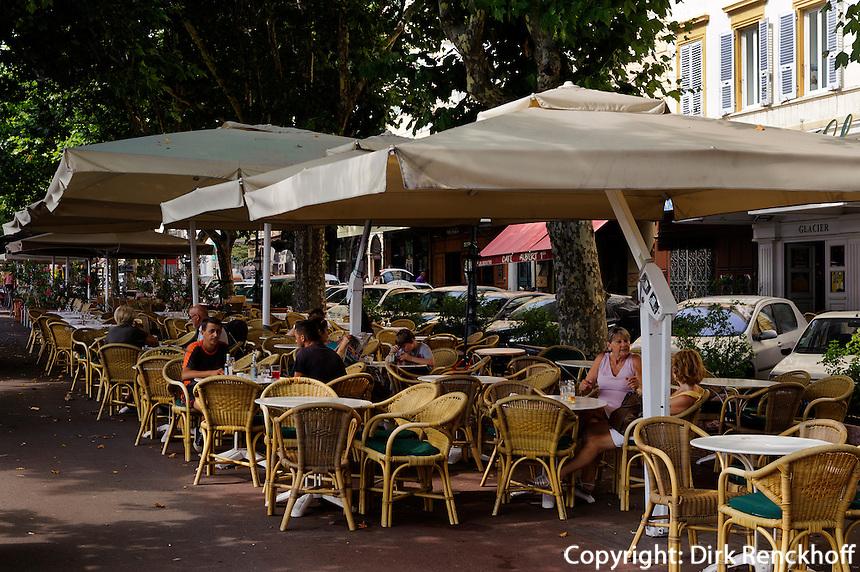 Straßenrestaurant auf der Place Saint Nicolas in Bastia, Korsika, Frankreich