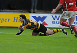Scott Williams dives over. Newport V Llanelli, Principality Premiership.  © Ian Cook IJC Photography iancook@ijcphotography.co.uk www.ijcphotography.co.uk