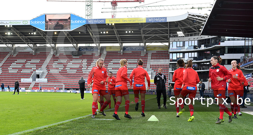 Zulte's players pictured during warming up of a female soccer game between Zulte Waregem and the KAA Gent Ladies on the fourth matchday of the 2020 - 2021 season of Belgian Scooore Womens Super League , saturday 10 October 2020  in Waregem , Belgium . PHOTO SPORTPIX.BE | SPP | DAVID CATRY