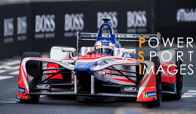 Felix Rosenqvist of Sweden from Mahindra Racing competes during the FIA Formula E Hong Kong E-Prix Round 2 at the Central Harbourfront Circuit on 03 December 2017 in Hong Kong, Hong Kong. Photo by Marcio Rodrigo Machado / Power Sport Images
