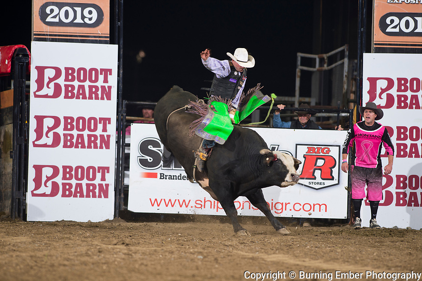 Hawk Whitt on Kilroy of Powder River Rodeo at the NILE Rodeo 2nd Perf Oct 18th, 2019.  Photo by Josh Homer/Burning Ember Photography.  Photo credit must be given on all uses.