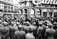 """- manifestation of the leftist group """"Avanguardia Operaia"""" in Duomo square (Milan, 1976)....- manifestazione del gruppo di sinistra Avanguardia Operaia in piazza del Duomo (Milano, 1976)"""