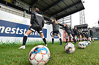 players of Aalst  pictured during the warming up of  a female soccer game between Eendracht Aalst and AA Gent Ladies on the 10 th matchday of the 2020 - 2021 season of Belgian Scooore Womens Super League , Saturday 19 th of December 2020  in Aalst , Belgium . PHOTO SPORTPIX.BE | SPP | DIRK VUYLSTEKE