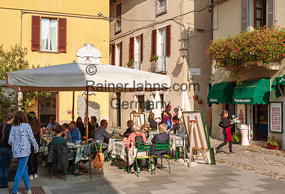 Italy, Piedmont, Orta San Giulio: café and restaurant in old town   Italien, Piemont, Orta San Giulio: Café und Restaurant in der Altstadt