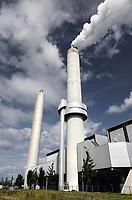 Nederland Amsterdam - Augustus 2019. het Afval Energie Bedrijf ( AEB ) in het Westelijk Havengebied. Het Afval Energie Bedrijf (AEB) is een afvalverwerkingsbedrijf in de Nederlandse stad Amsterdam. Het bedrijf verwerkt afval uit Amsterdam en uit de regio, en heeft de beschikking over afvalverbrandingsinstallaties in het Westelijk Havengebied. Deze installaties gebruiken de bij de verbranding vrijkomende warmte voor het opwekken van energie. Sinds juli liggen vier van de zes verbrandingsovens om veiligheidsredenen stil.    Foto Berlinda van Dam / Hollandse Hoogte