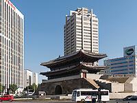 Südl. Stadttor Namdaemun,  Seoul, Südkorea, Asien<br /> South citygate Namdaemun, Seoul, South Korea, Asia