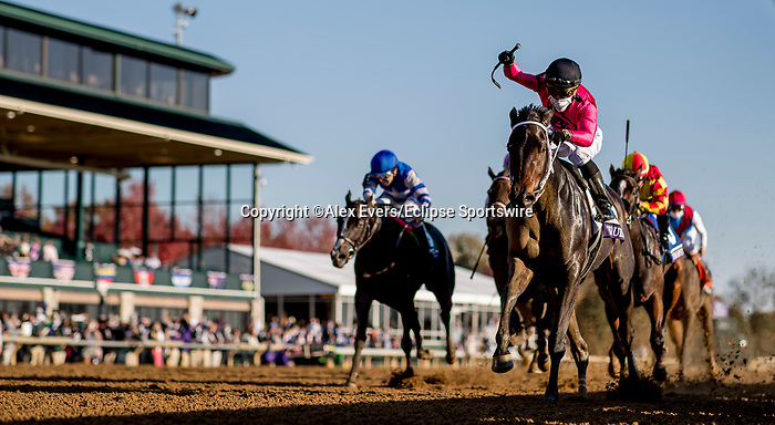 November 6, 2020: Vequist, ridden by Joel Rosario, wins the Juvenile Fillies on Breeders' Cup Championship Friday at Keeneland on November 6, 2020: in Lexington, Kentucky. Alex Evers/Eclipse Sportswire/Breeders Cup/CSM