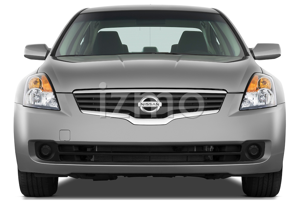 Straight front view of a 2009 Nissan Altima Hybrid