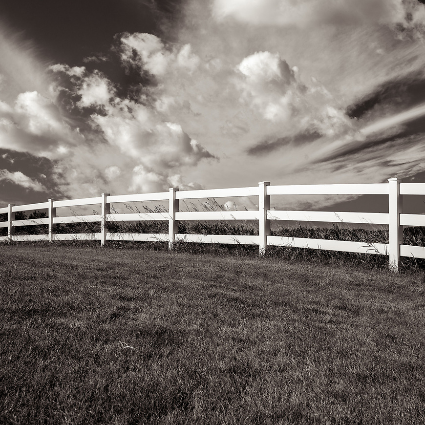 FENCELINE #midwest #midwestmemoir #blackandwhite #B&W #monochrome #instblackandwhite #blackandwhiteart #flair_bw #blackandwhite_perfection #motherfstop #wisconsin #blackandwhiteisworththefight #bnw_captures #bwphotography #myfeatureshoot  #fineartphotography #americanmidwest #squaremag #lensculture  #wisconsin
