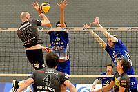06-03-2021: Volleybal: Amysoft Lycurgus v Active Living Orion: Groningen Orion speler Jasper Diefenbach tikt de bal door de handen van Lycurgus speler Hossein Ghanbari