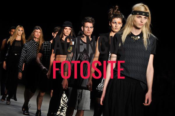 Rio de Janeiro, Brasil – 04/06/2011 - Desfile da Auslander  durante o Fashion Rio  -  Verão 2012. Foto : Christian von Ameln / Agência Fotosite