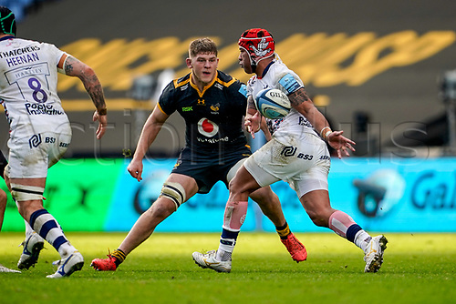 22nd November 2020; Ricoh Arena, Coventry, West Midlands, England; English Premiership Rugby, Wasps versus Bristol Bears; Siale Piutau of Bristol lays the ball off as he runs into contact