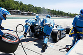 Ed Jones, Chip Ganassi Racing Honda, pit stop