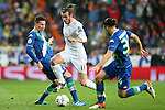 Real Madrid's Garet Bale (c) and WfL Wolfsburg's Julian Draxler (l) and Ricardo Rodriguez during Champions League 2015/2016 Quarter-finals 2nd leg match. April 12,2016. (ALTERPHOTOS/Acero)