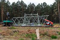 GERMANY, grid construction works / DEUTSCHLAND Schleswig Holstein, Ausbau der Stromtrassen fuer Transport des Stroms von Windkraftanlagen von Nord nach Sued im Zuge der Energiewende