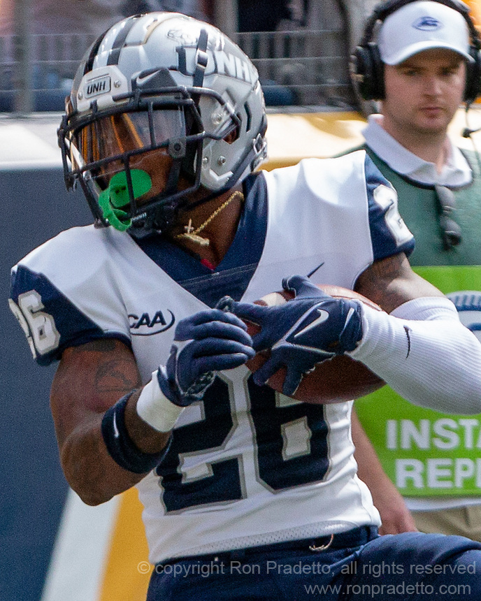 New Hampshire running back Carlos Washington Jr. The Pitt Panthers defeated the New Hampshire Wildcats 77-7 at Heinz Field, Pittsburgh, Pennsylvania on September 25, 2021.