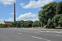 PORTO ALEGRE, RS, 27.02.021 - BANDEIRA - PRETA - Nas praças, parques e avenidas estão proibidas aglomerações, apenas atividades físicas, ciclismo e caminhadas durante o protocolo de segurança em vigor na bandeira preta, em Porto Alegre, neste sábado (27).