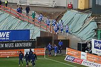 Kannschaft des SV Darmstadt 98 kommt zum Spiel<br /> <br /> - 19.12.2020: Fussball 2. Bundesliga, Saison 20/21, Spieltag 13, SV Darmstadt 98 - Wuerzburger Kickers, Stadion am Boellenfalltor, emonline, emspor, <br /> <br /> Foto: Marc Schueler/Sportpics.de<br /> Nur für journalistische Zwecke. Only for editorial use. (DFL/DFB REGULATIONS PROHIBIT ANY USE OF PHOTOGRAPHS as IMAGE SEQUENCES and/or QUASI-VIDEO)