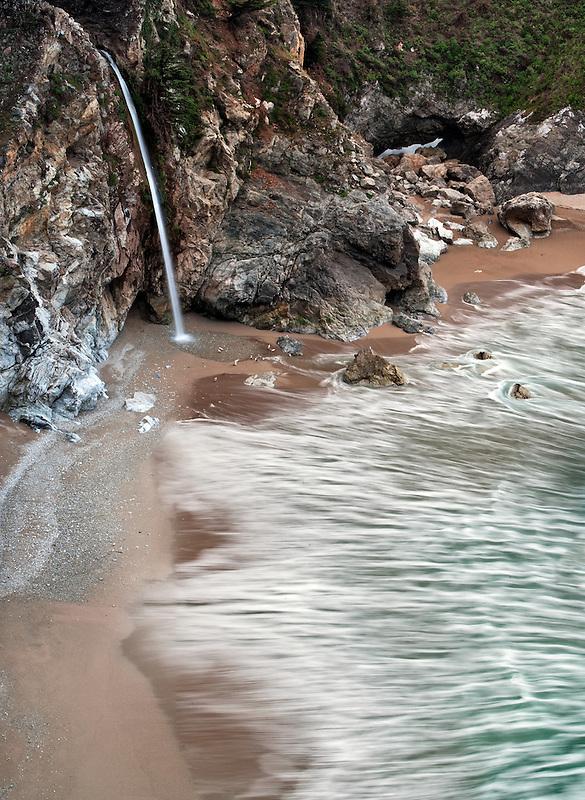 McWay Creek Waterfalls at Julia Pfeiffer-Burns State Park, California.