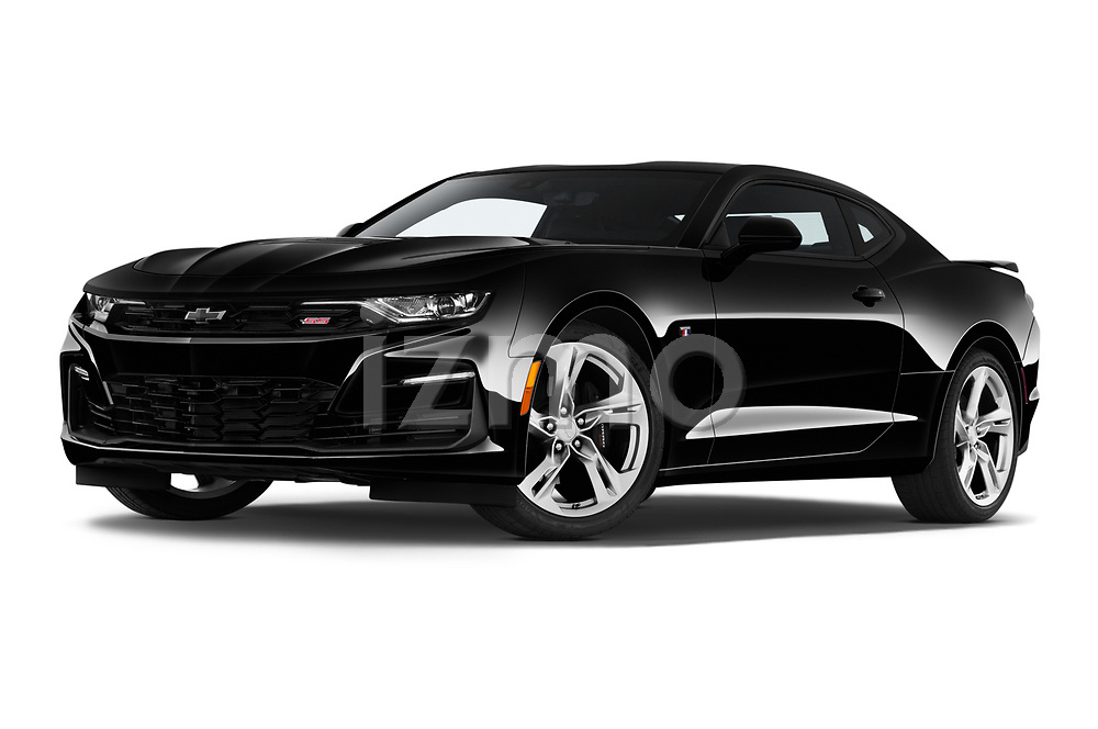 Stock pictures of low aggressive front three quarter view of 2020 Chevrolet Camaro 2SS 2 Door Coupe Low Aggressive