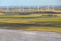 Windräder nahe Harlesiel/Carolinensiel - Wangerooge 20.07.2020: Flug nach Wangerooge