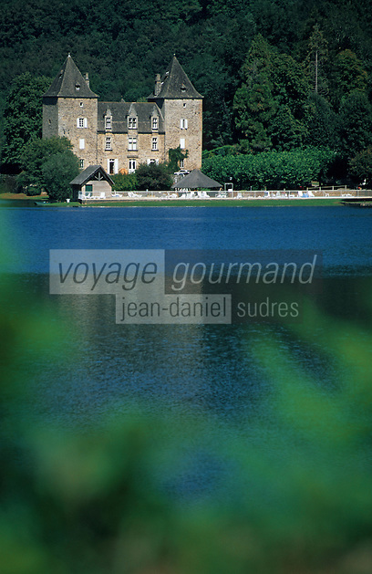 Europe/France/Limousin/19/Corrèze/Vallée de la Dordogne/Argentat: Le Château du Gibanel sur le barrage d'Argentat dans la vallée