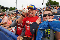 Young fans look to get autographs before a Batavia Muckdogs game against the Brooklyn Cyclones on July 4, 2016 at Dwyer Stadium in Batavia, New York.  Brooklyn defeated Batavia 5-1.  (Mike Janes/Four Seam Images)